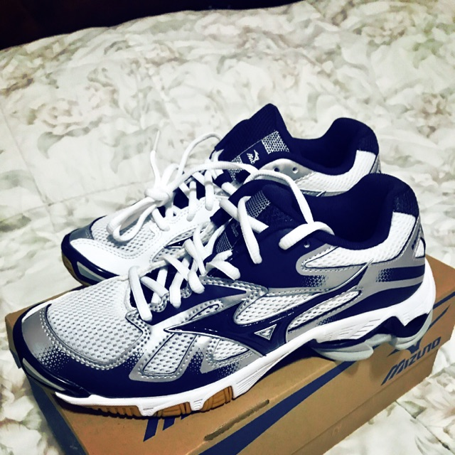 mizuno shoes for volleyball