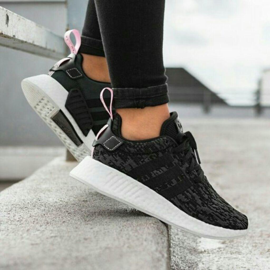 Sneakers Adidas Nmd R2 W Core Black Wonder Pink White Grey