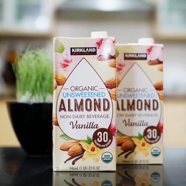 Kirkland Signature Organic Unsweetened Almond Milk Vanilla
