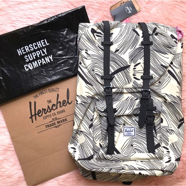 HERSCHEL LITTLE AMERICA MID BACKPACK 16.5L   Shopee Philippines a19ad8c47f