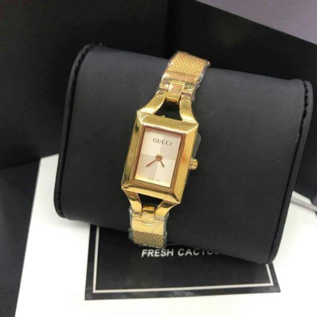 c378f6f1a24 Gucci Zigzag Bracelet Watch Class A T121