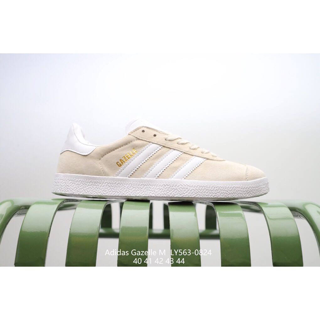 1970s Adidas Gazelle suede sneakers Size 7.5   Vintage