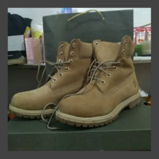 a few days away great fit top fashion TIMBERLAND WOMEN'S 6 INCH PREMIUM BOOT Size 38