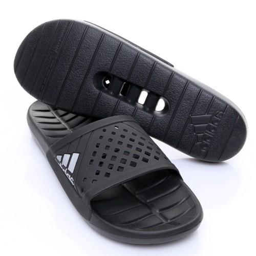 ef80df17b8e7 Nike Benassi Solarsoft Slide Women s Beach Sandals Pink