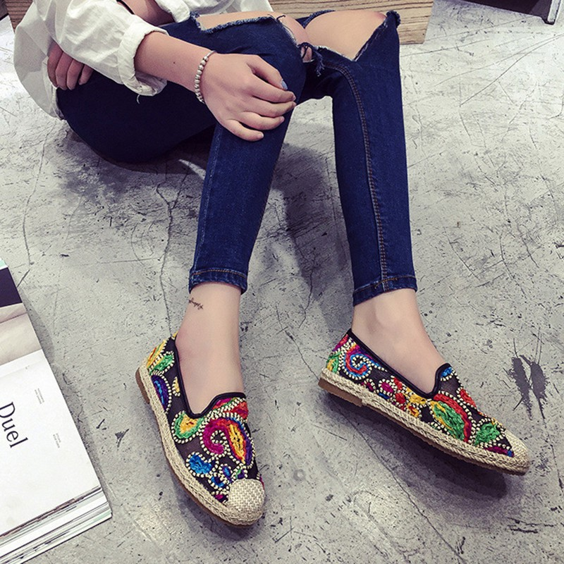 2aa39d0e40cb HOT Fashion Women's Girl's Embroidery Shoes Flat Comfort Casual Slip-on  Loafers