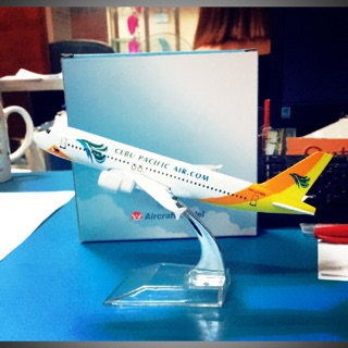 Cebu Pacific Airline Diecast airplane model | Shopee Philippines