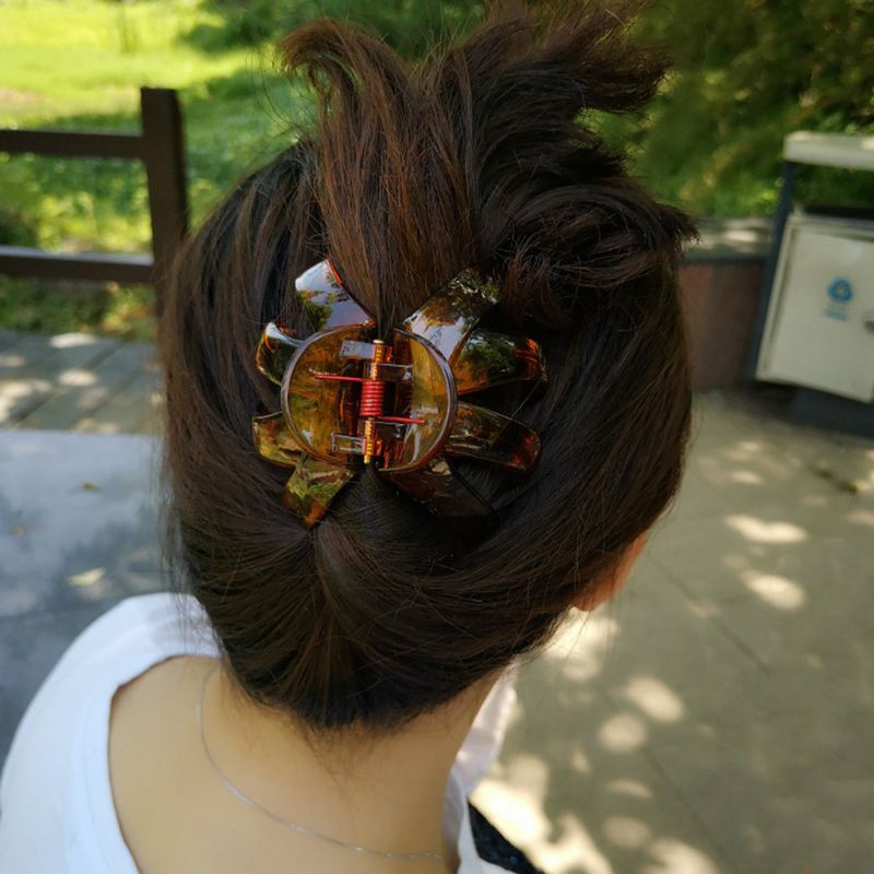 1 PC  BANANA INTERLOCKING FLEXIBLE JAW HAIR CLIPS COLOR 1 BROWN QTY