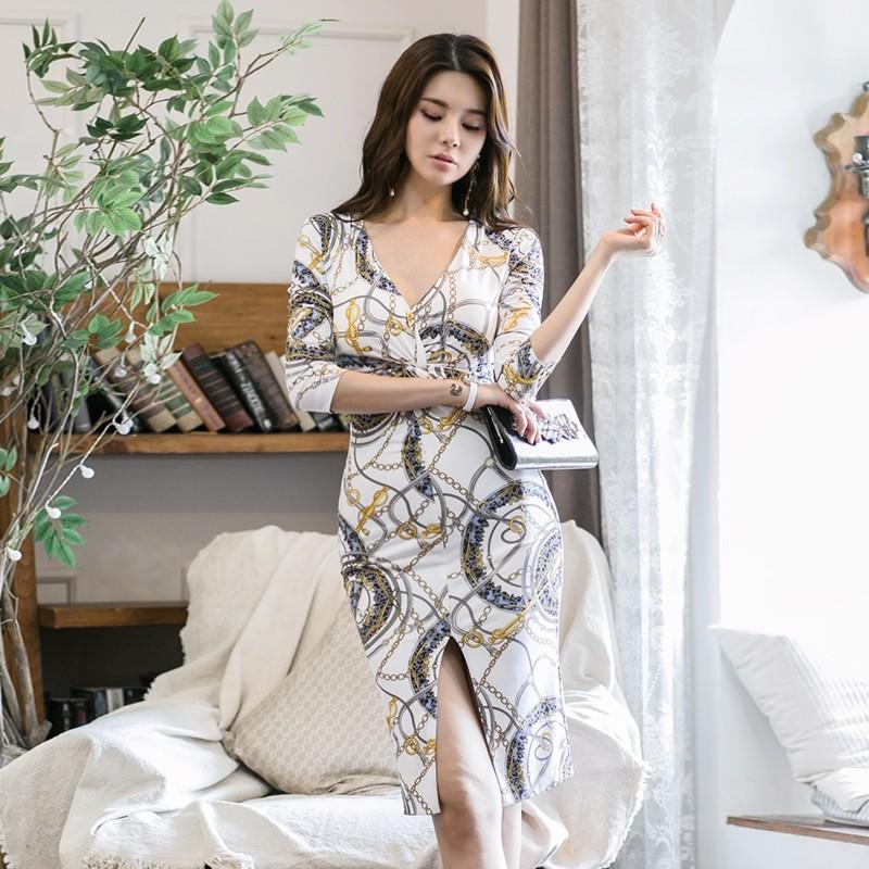 e7ed5ac557f25 Printed dress female temperament V-neck waist slimming bag hip long section  slit