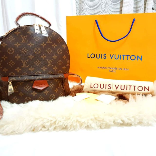 fe94e5957e1a LOUIS VUITTON Palm springs backpack