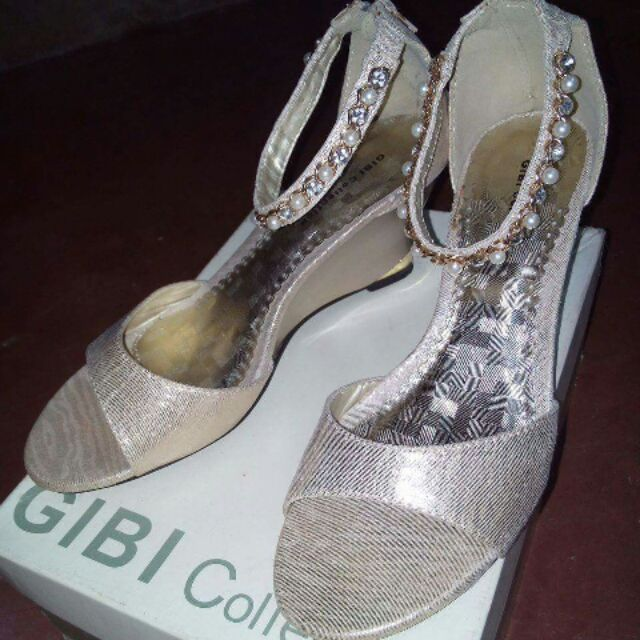 515f2f11d24 GIBI Collection Sandals