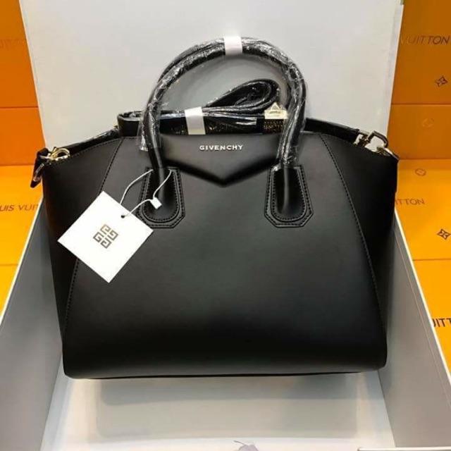 c8720a0d83be Givenchy Antigona Mini
