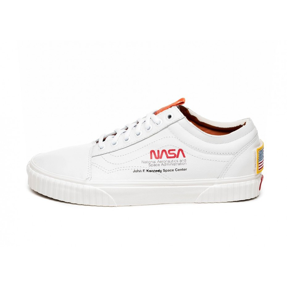 77b99a830e VANS x NASA Old Skool Space Voyager Mens Sports Shoes