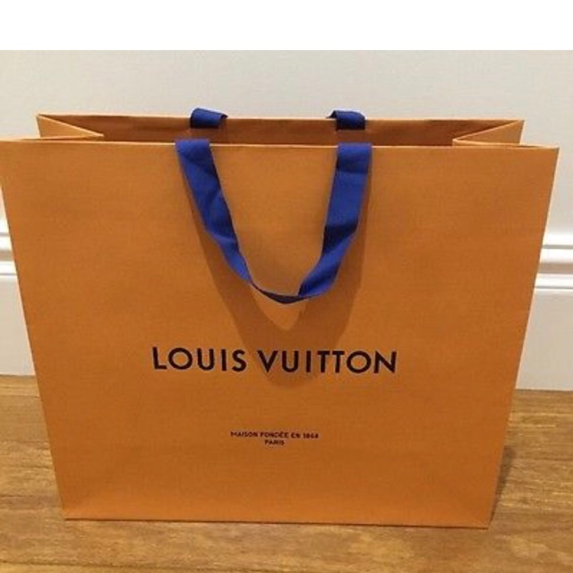 3b29c0b7afe LOUIS VUITTON LV PAPER BAG   PAPERBAG 👍HORIZONTAL One size   Shopee  Philippines