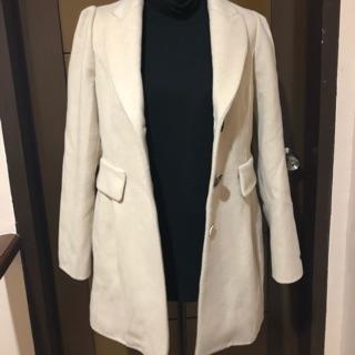 2019 hot sale modern and elegant in fashion bottom price Cream Winter Coat/trench coat