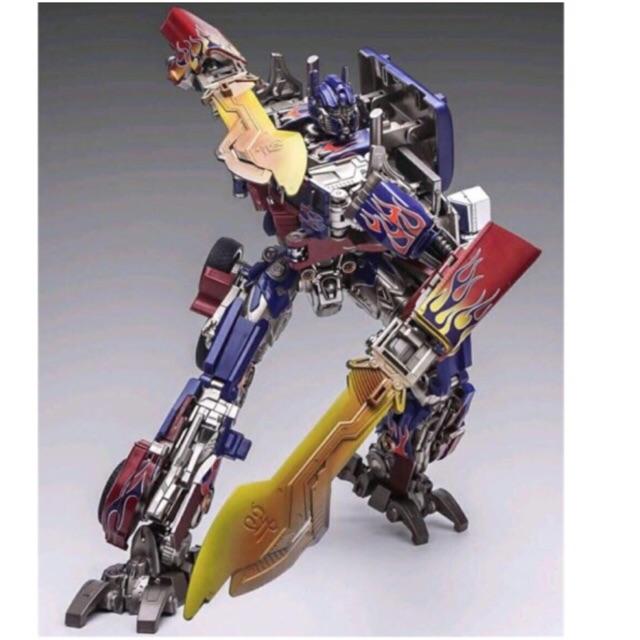 Weijiang Studio Series SS-05 Optimus Prime Transformers