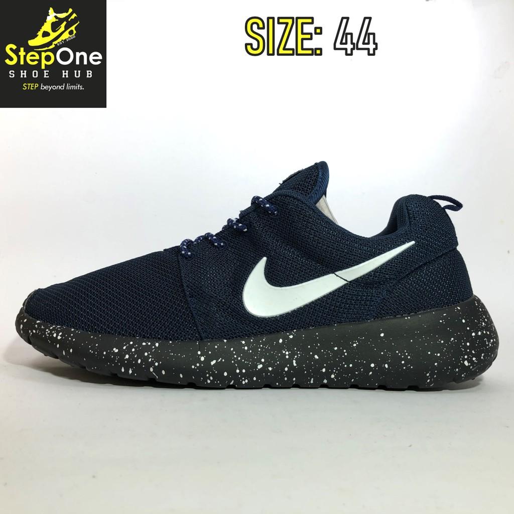 partes Es Shipley  Nike Roshe Run Dark Blue Oreo Size 44 Men Running Shoes | Shopee Philippines
