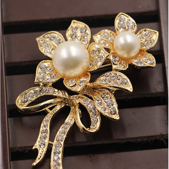 4d08853d5 Women Pearl Brooch Luxury Bride Crystal Pin Scarf Brooches | Shopee ...