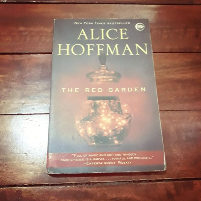 The Red Garden By Alice Hoffman Shopee Philippines