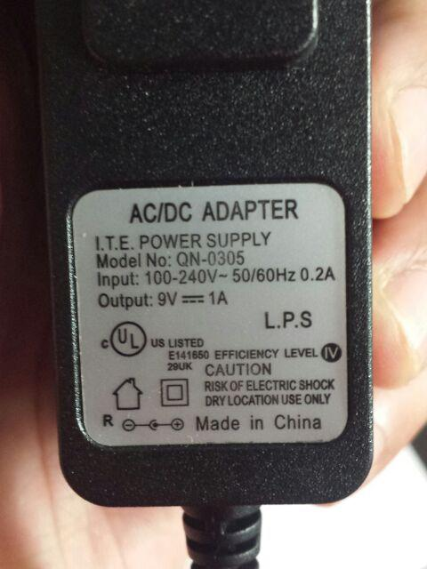 9V 1A AC/DC Power Adapter