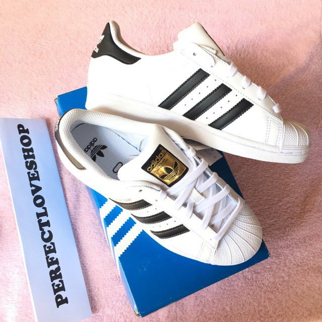 great fit 89b1e 7e85a Adidas Superstar Foundation 2 White Black Gold