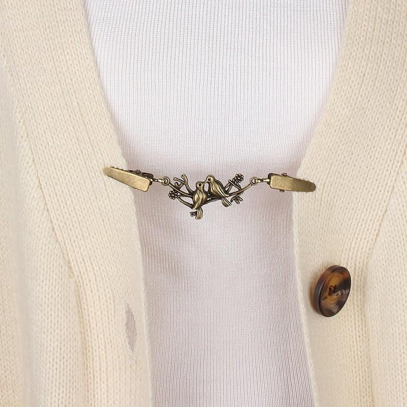 Women Vintage Cardigan Sweater Blouse Pin Shawl Brooch Clips Shirt Collar Retro Duck Clip