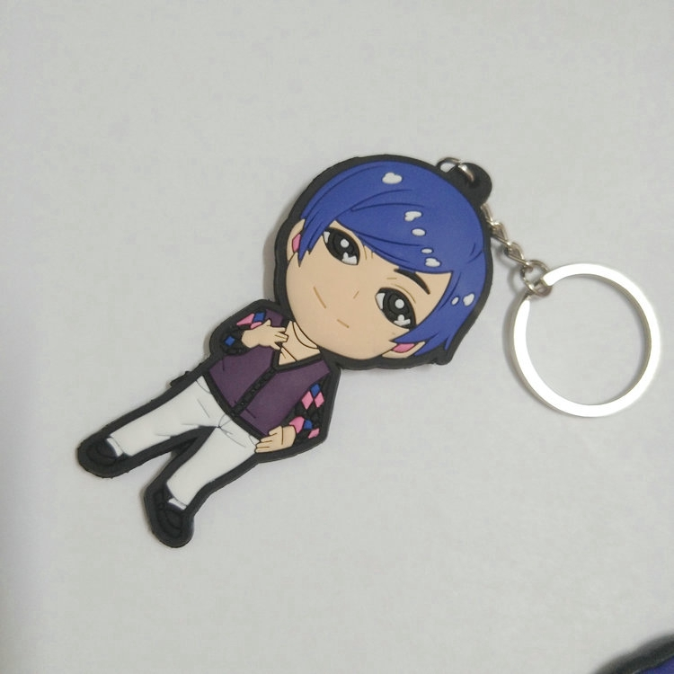 variations available Snow white and seven dwarfs  Keyring double sided