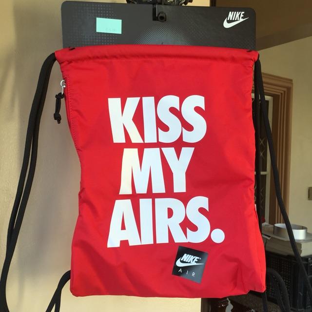 ego gatito Ministerio  Nike Gym Sack Red kiss my airs | Shopee Philippines