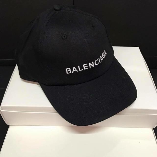 0a1578c90e4 BALENCIAGA BASEBALL CAP with tag   box