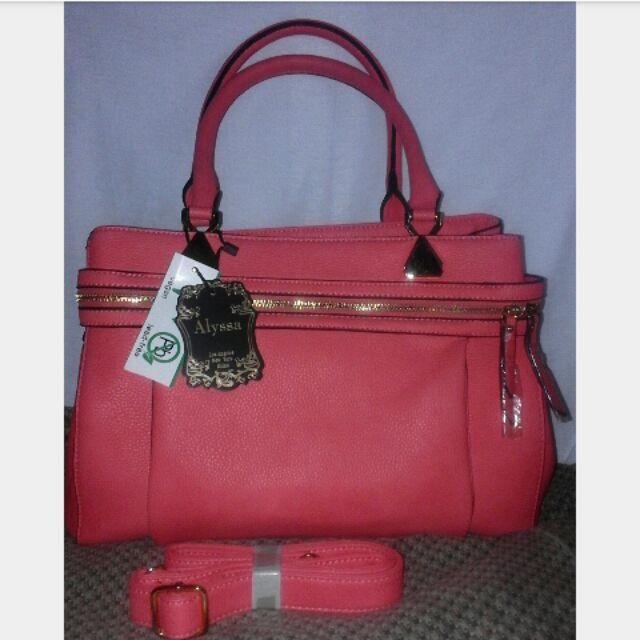 Alyssa Handbag With Sling Sho
