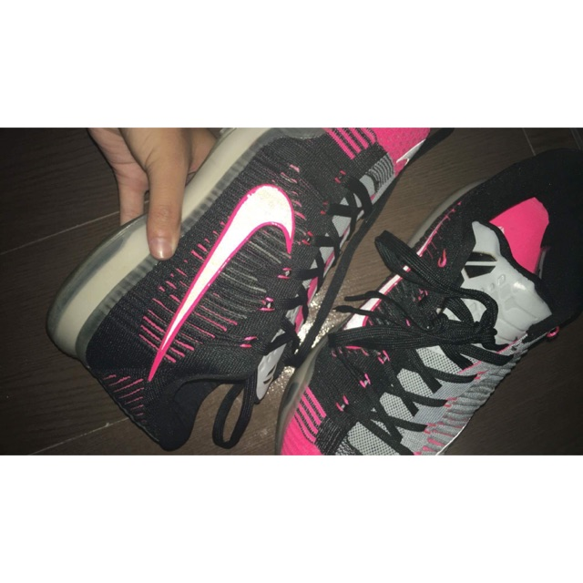 huge discount 0ffd3 9245e Curry 4 low and Kobe 10 Mambacurial 2700 both.