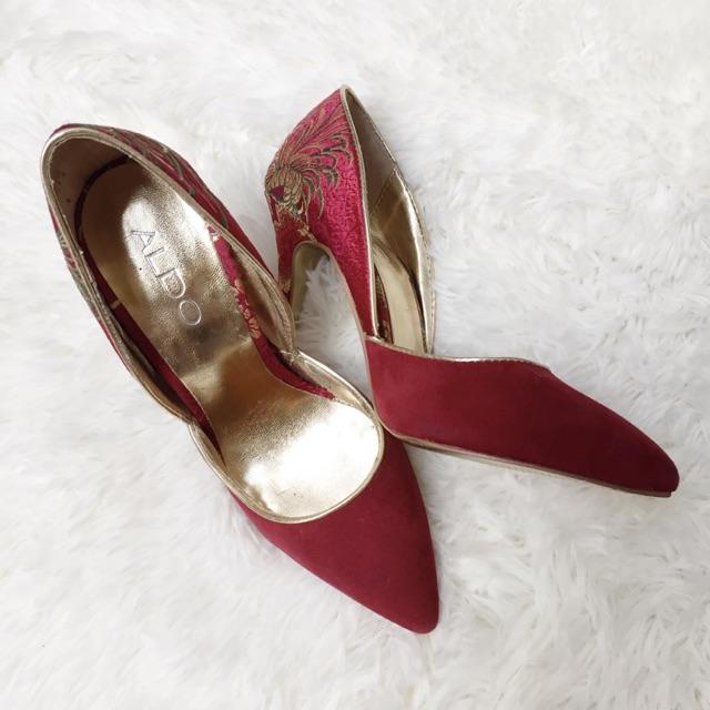 936c403304e Aldo Gold Embroidered Red Suede Stilettos