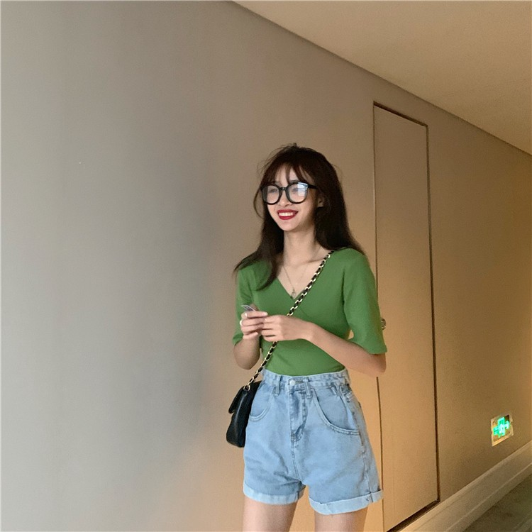 Oce The Best Slim Fit Korean Version T Shirt For Women Shopee Philippines The women lee spoke with could easily recall specific remarks people made about their being fit and able to exercise is simply a greater priority than being skinny for korean women these days. shopee