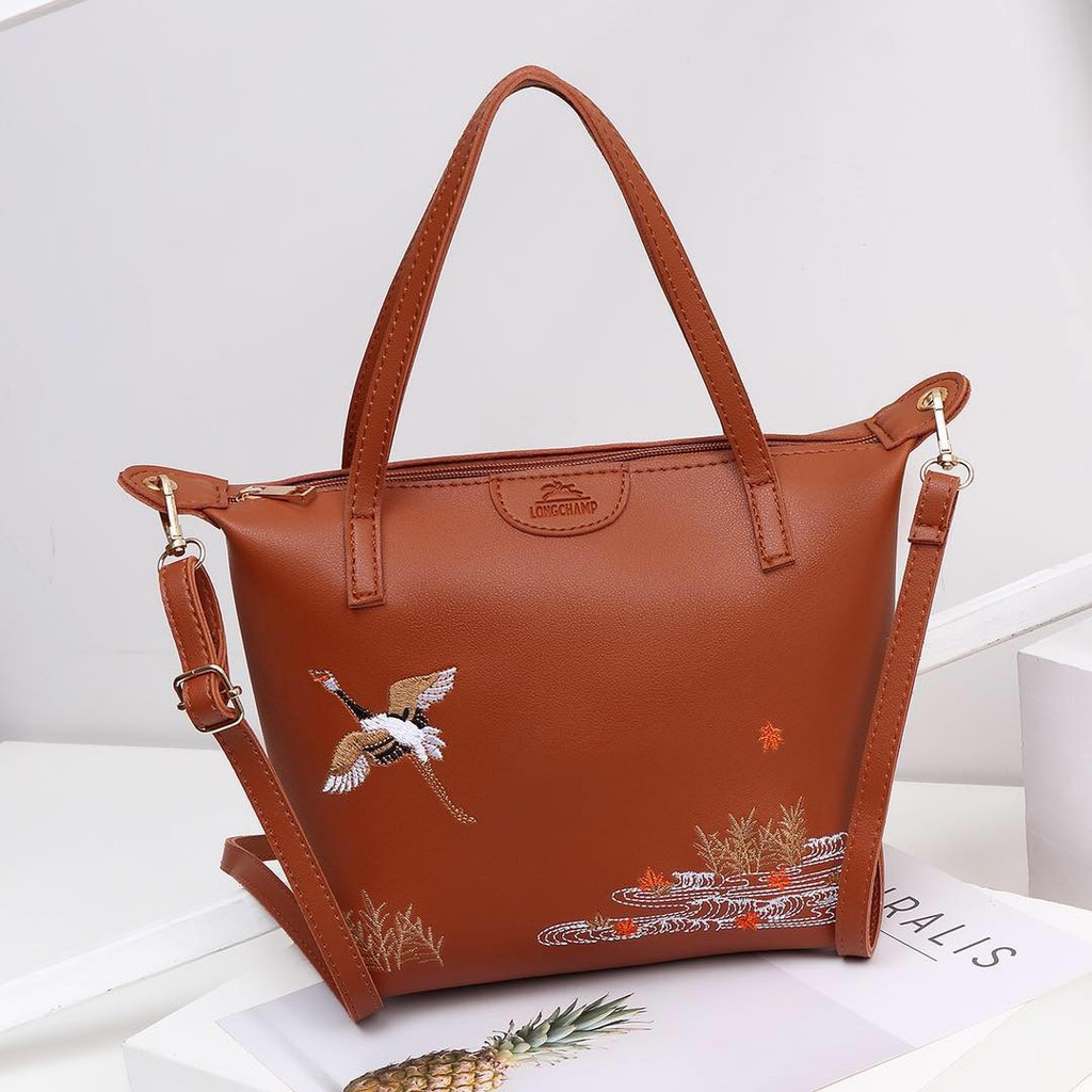 ✅COD Longchamp sling bag  d9caedb0b5847