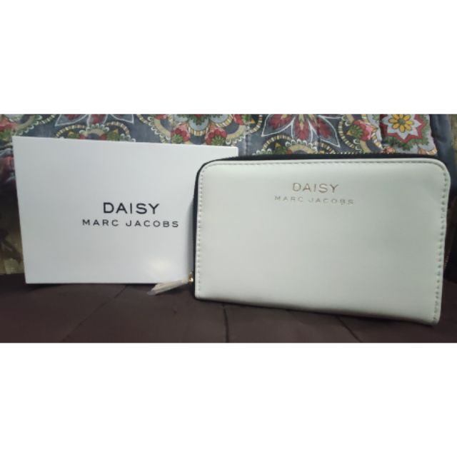 Voyage Reporter Gaseous  Marc jacobs Daisy pochette/pouch | Shopee Philippines