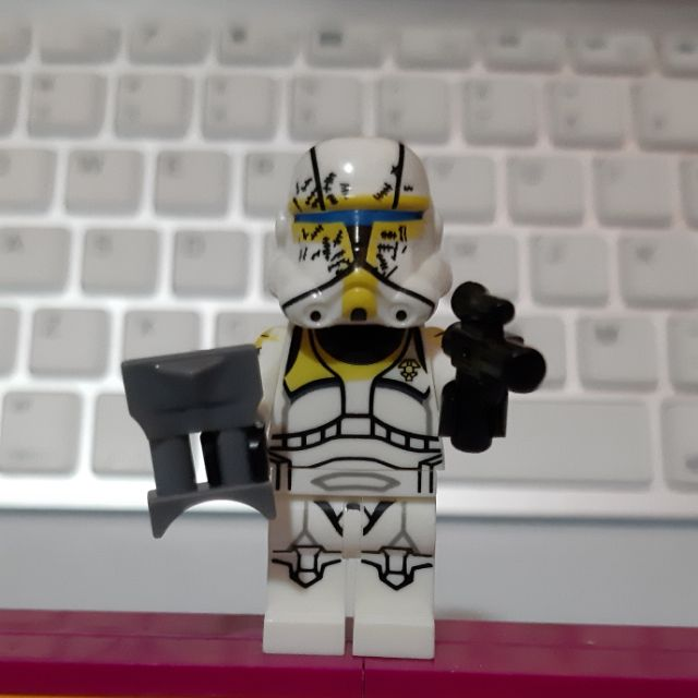 Lego yellow clone trooper -ALT