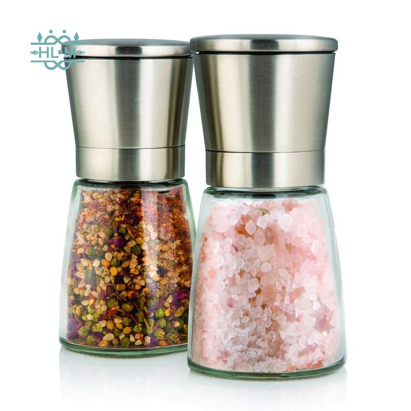 1 Set Of Two Salt And Pepper Mills