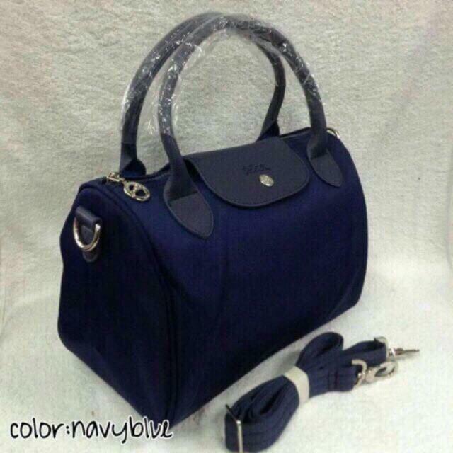 Longchamp doctors bag sling bag/handbag medium (11x8 inches)