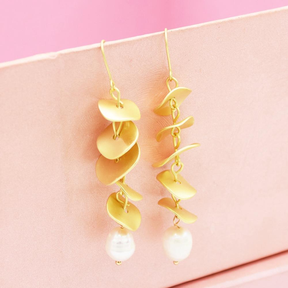 """18K Gold Filled 2.1/"""" Boucle d/'oreille Laser Carving Flower Hollow Leaf papillon goutte L8"""