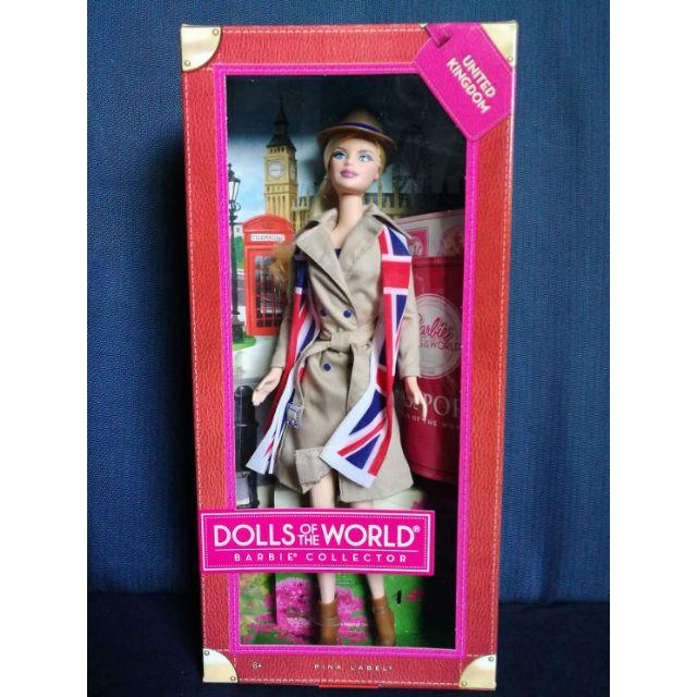 2a2e37f40ccf7 Dolls of the World United Kingdom