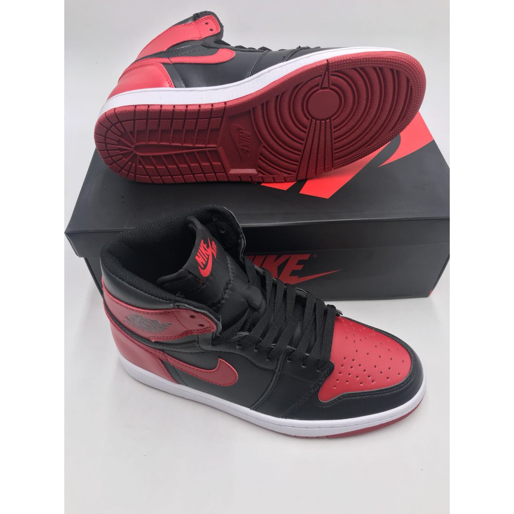 Trampolín Buscar Mecánica  Nike AIR JORDAN 1 RETRO Basketball shoes FOR man and woman with box and  paperbag | Shopee Philippines