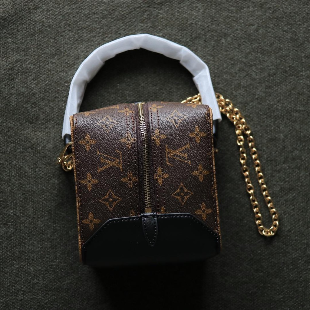 Lv Dice Bag The Travel In Dj Jane Is