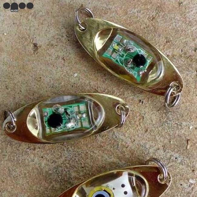LED Deep Underwater Eye Shape Fishing  Lure Light Flashing Lamp Low Power
