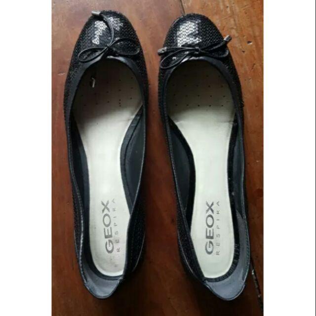 Limitado Tregua Gaseoso  GEOX WOMEN'S D LOLA D PAILETTES SEQUIN LEATHER FLATS- Size 9 | Shopee  Philippines