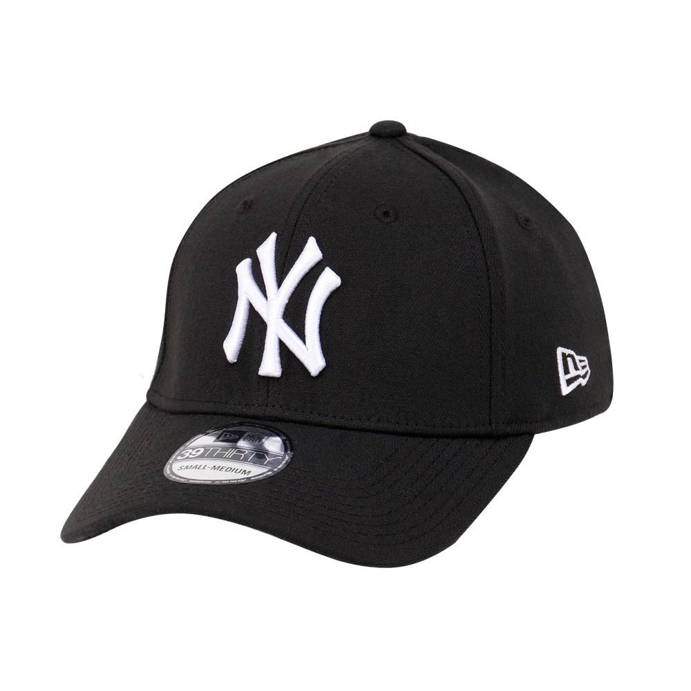 68677ebdd05 New York Yankees MLB Black on Black 39THIRTY Cap
