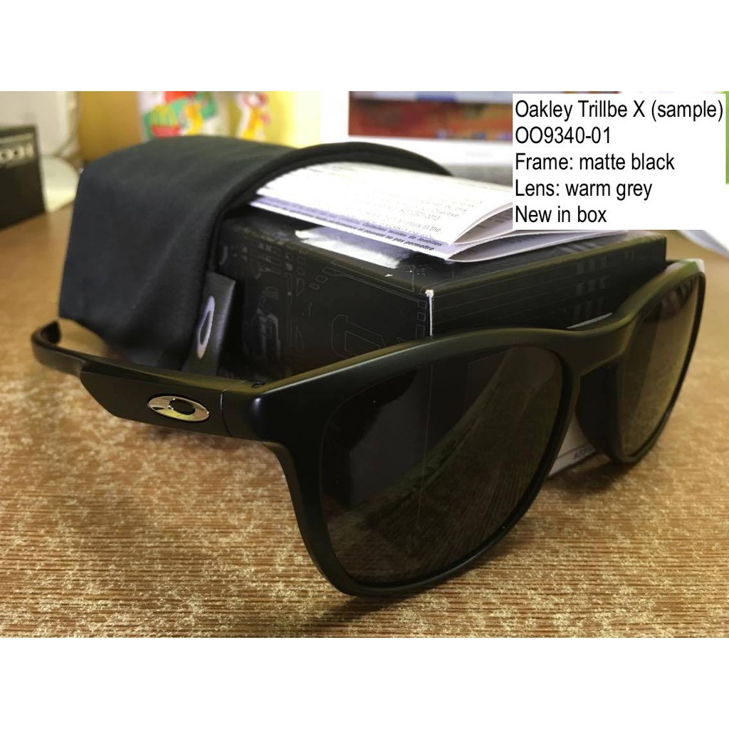 4c77091d44 Authentic Oakley Garage Rock crystal black w  violet lens