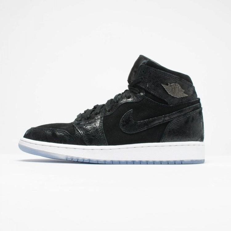3fab5d2638dd23 Authentic Nike Air Jordan 1 GS AJ1 suede women s basketball