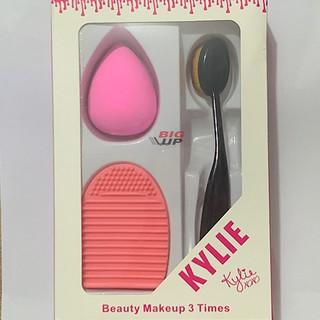 makeup kylie combo of makeup tools 1 oval brush 1 silicon