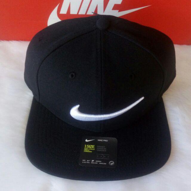 ponerse en cuclillas Ordenador portátil Intacto  Nike swoosh pro snapback cap. Original. Brand new. | Shopee Philippines