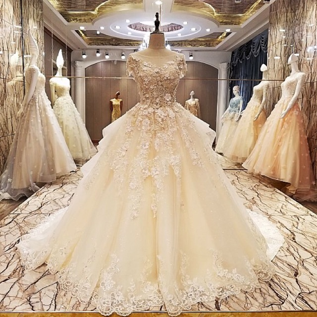 Luxury Bridal Wedding Prom Debut Long Evening Ball Gown