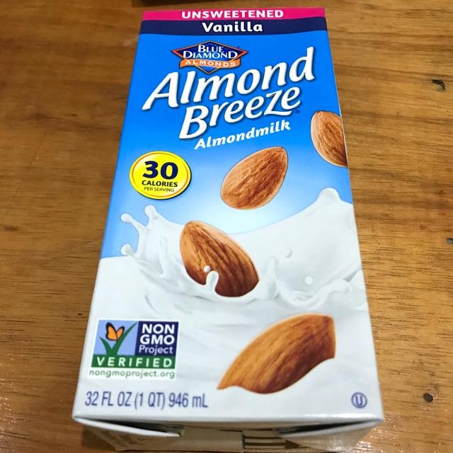 Almond Breeze Milk (Blue Diamond